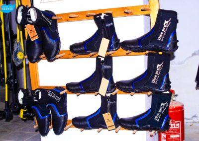 diving equipment 10