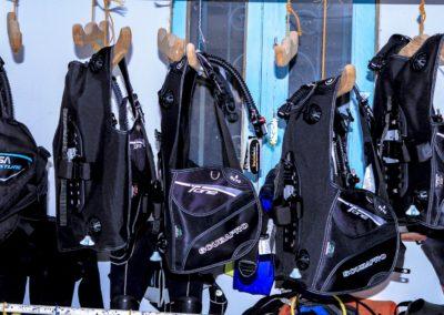 diving equipment 4