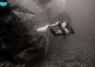 Dive in wreck